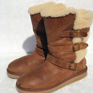 UGG BECKET Brown Leather Shearling Boots 8